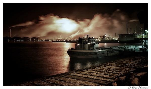 Photographie de Paysage en pose longue de nuit dans le port d'Anvers